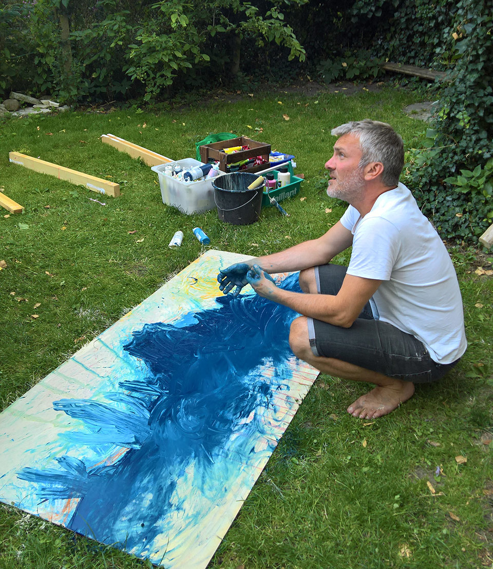 Martin Molter bei der Malerei